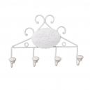 Biely kovový vešiak na uteráky